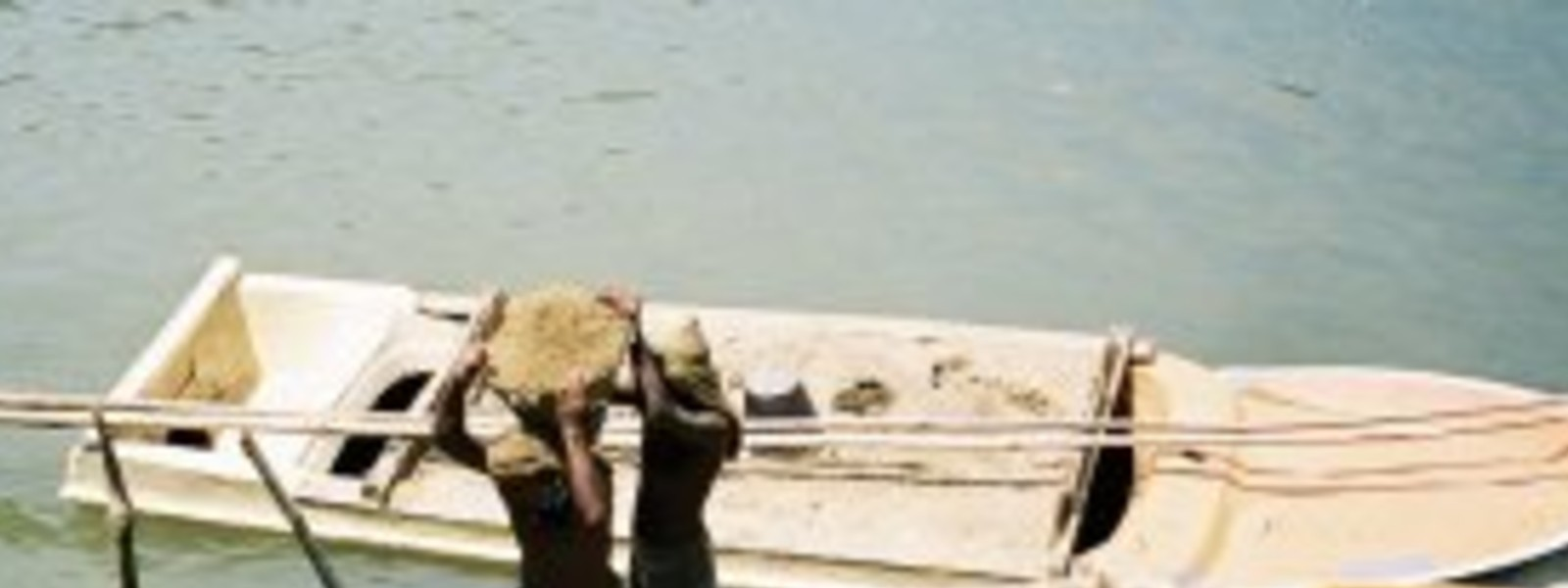 Kalu Ganga sand mining permits to be re-issued, temporarily