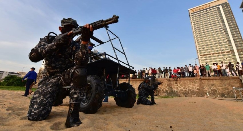 (VIDEO) Navy Marines storm Galle Face Green on Independence Day