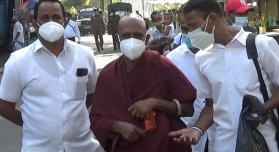 Monk walks from Kandy to Colombo against environmental destruction