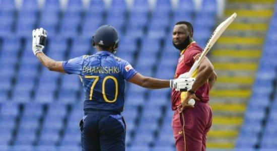 'Wilfully obstructing the field'? Controversial dismissal divides cricketers, netizens