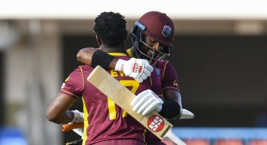 West Indies beat Sri Lanka by 5 wickets, leads series 2-0