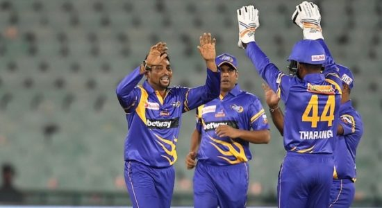 All-Round Tillakaratne Dilshan Thrashes England Legends