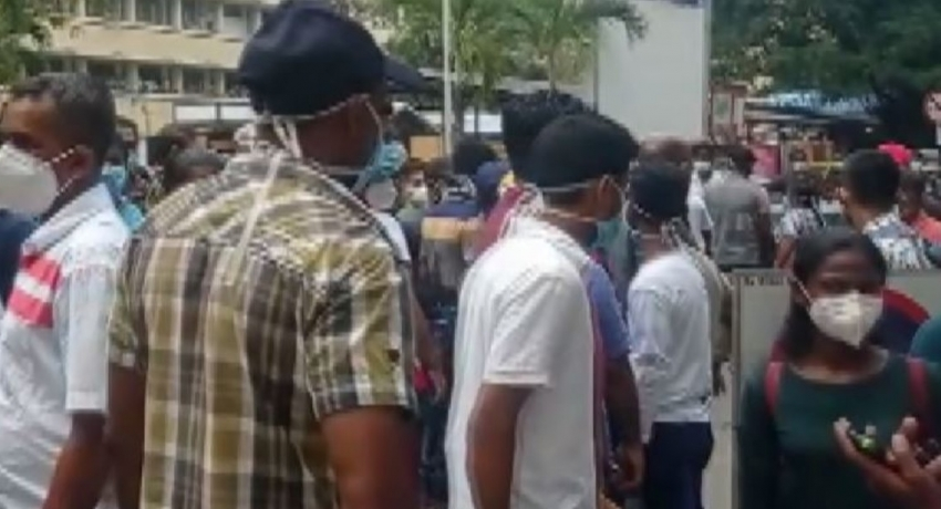 Heavy traffic in Town Hall, Colombo due to a protest