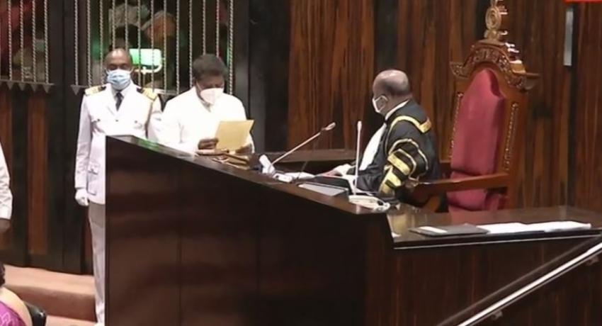 Ajith Mannapperuma sworn in as a MP