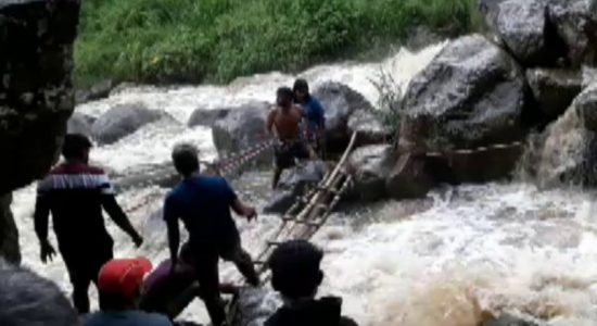 (VIDEO) Daring rescue in Bandarawela; two people swept away by strong currents