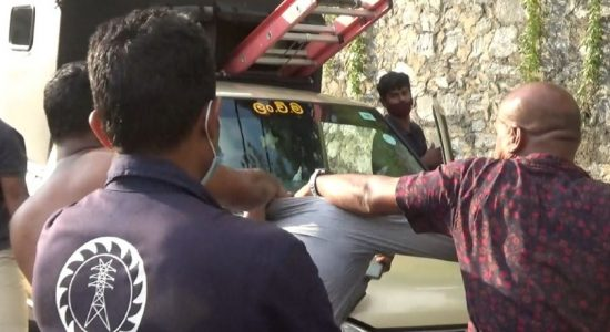(VIDEO) Angry locals attack CEB workers in Kandy