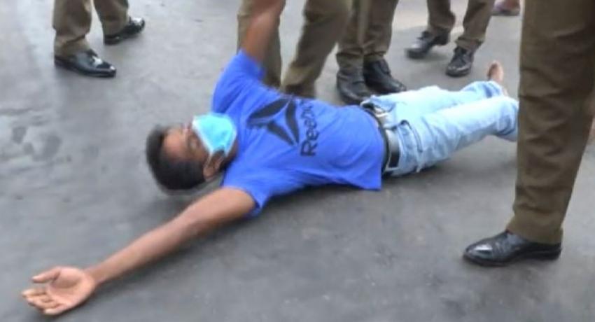 (VIDEO) COVID scare leads to protest in Bingiriya