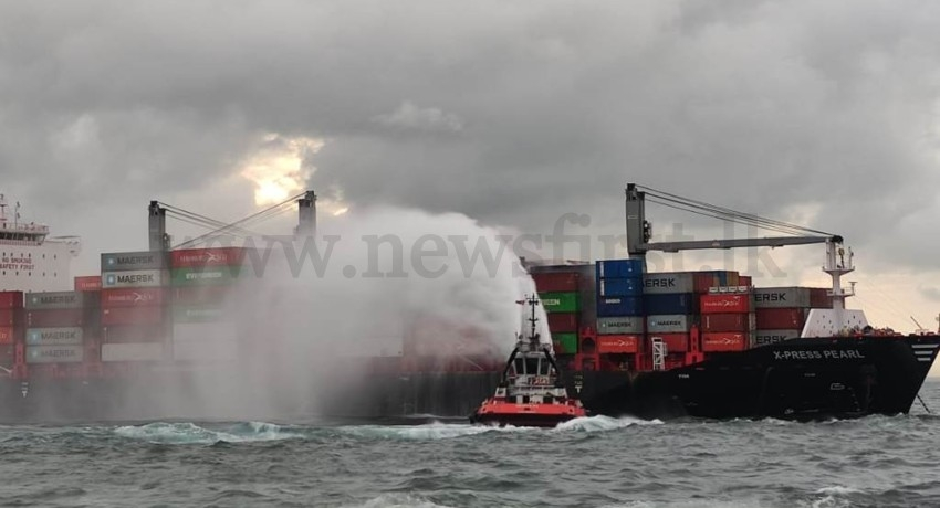 (PICTURES) Navy assists to douse fire onboard MV X-Press pearl