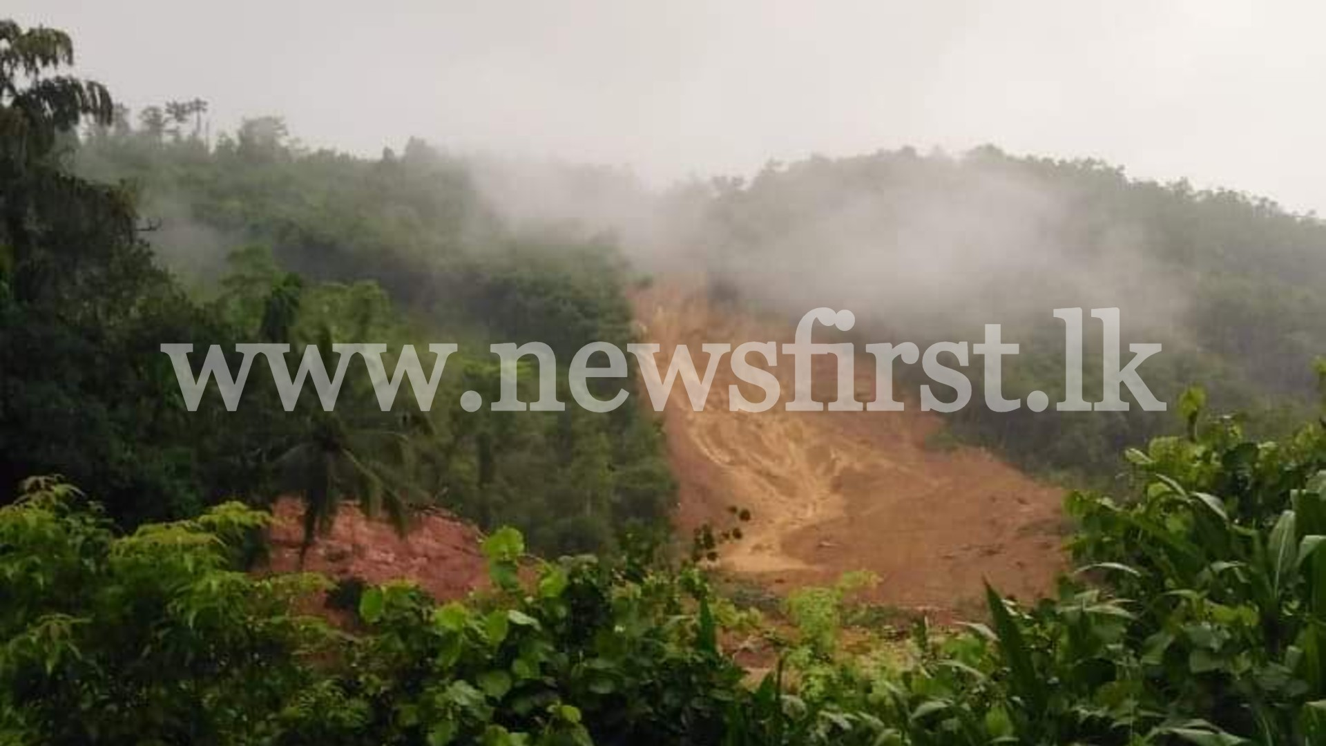 UPDATE: 01 person rescued following Ratnapura landslide; 02 others missing