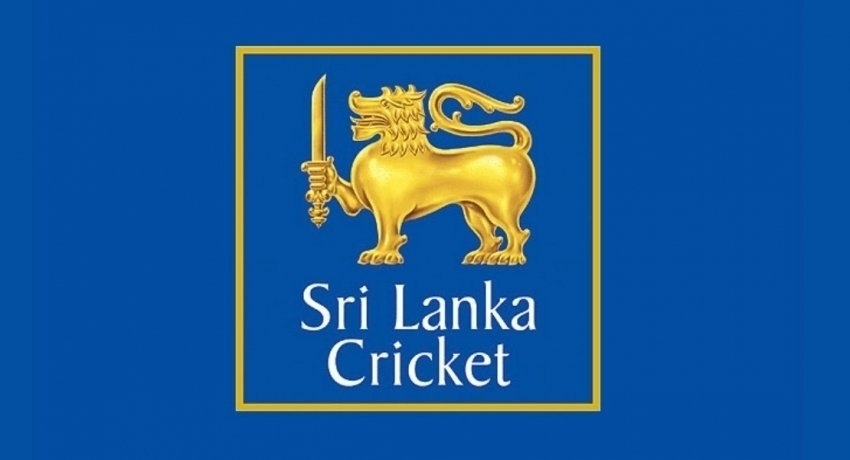 Cricketers sign England tour contracts