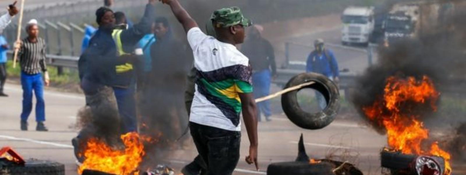 Death toll climbs as South Africa violence spirals
