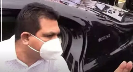 (VIDEO) Avant-Garde's Nissanka Senadhipathi turned away by protestors