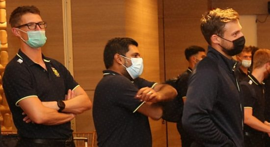 South African cricket team arrives in SL