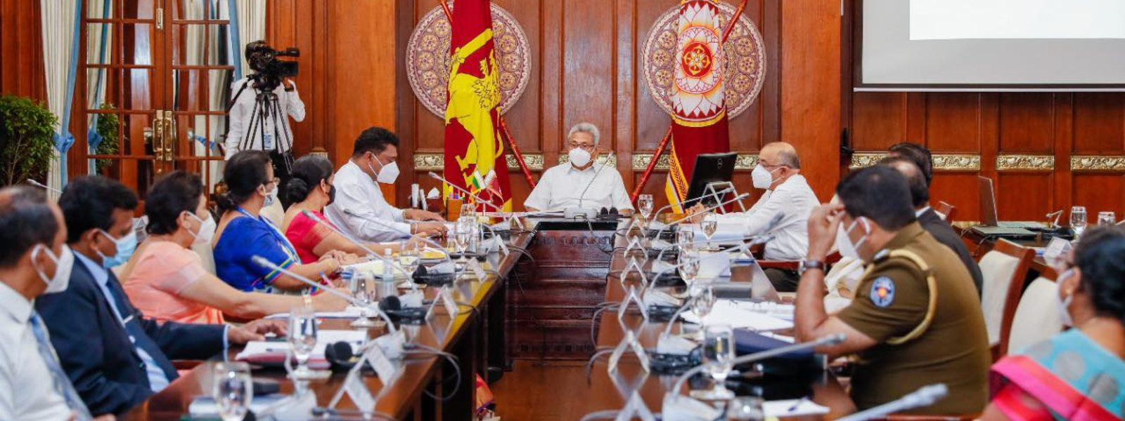 Encourage people to obtain the vaccine, President tells officials