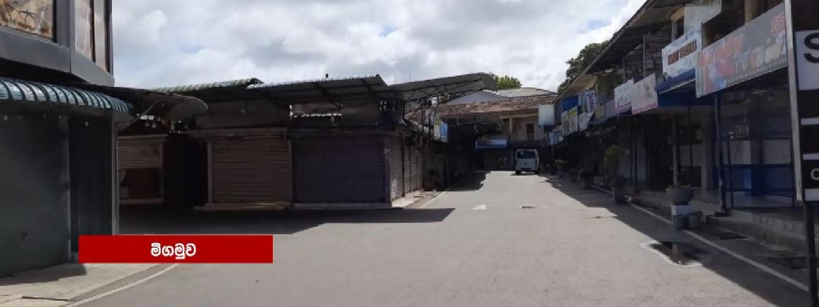 More businesses go into 'voluntary lockdowns' across Sri Lanka