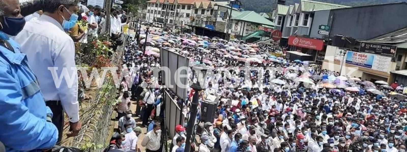 Teachers & Principals protest for 21st consecutive day; Massive turnout at N'Eliya protest
