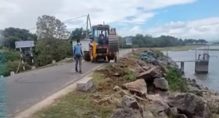 Maha Sangha opposes destruction of Parakrama Samudra breakwater
