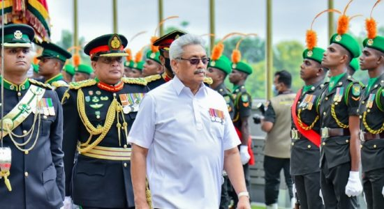 (VIDEO) President make first ever visit to Army & Defence HQ Complex