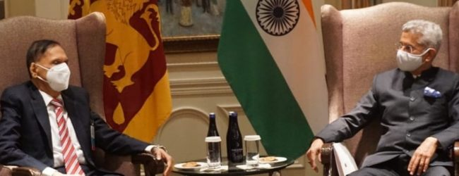Foreign Minister meets with Indian FM in NY