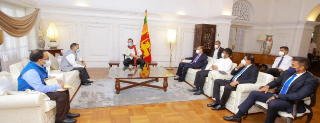 (PICTURES) Indian High Commissioner meets Prime Minister for talks