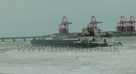 Gale winds push massive barge close to Lankan shores