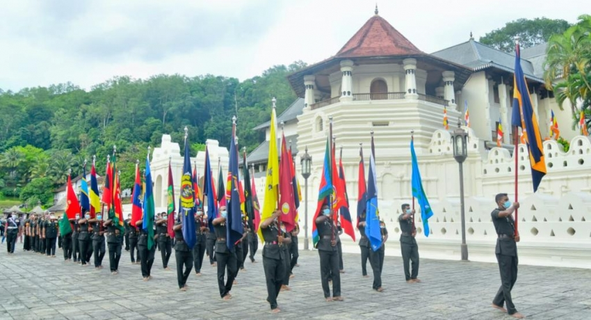 (PICTURES) Army Flags blessed at Temple of the Tooth