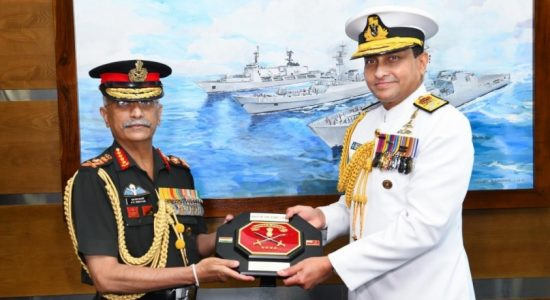 Indian Army Chief calls on Navy Commander