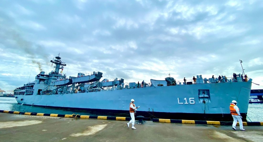 Six Indian Naval vessels arrive in Sea of Sri Lanka