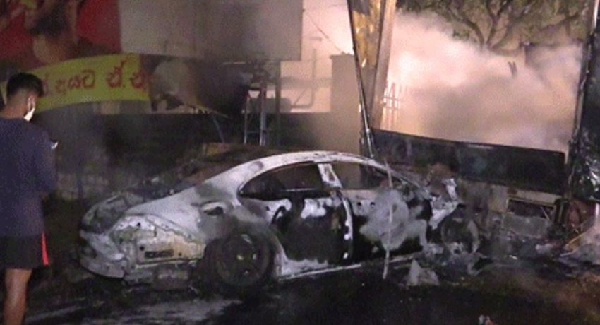 Luxury car & lorry destroyed in flames (VIDEO)
