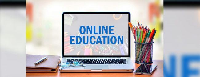 Online ඉගැන්වීම්වල නිරත පාසල් ගුරුවරුන්ට සිදුවන බලපෑම් ගැන පැමිණිලි කරන්නැයි පොලීසියෙන් දැනුම් දීමක්..