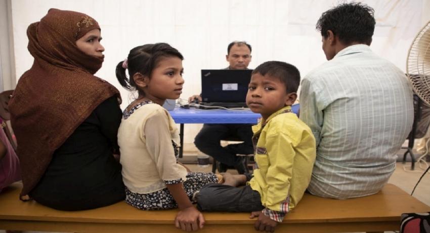 வங்கதேசத்தில் ரோஹிஞ்யா அகதிகளுக்கு முதன்முறையாக அடையாள அட்டை வழங்கப்பட்டுள்ளது