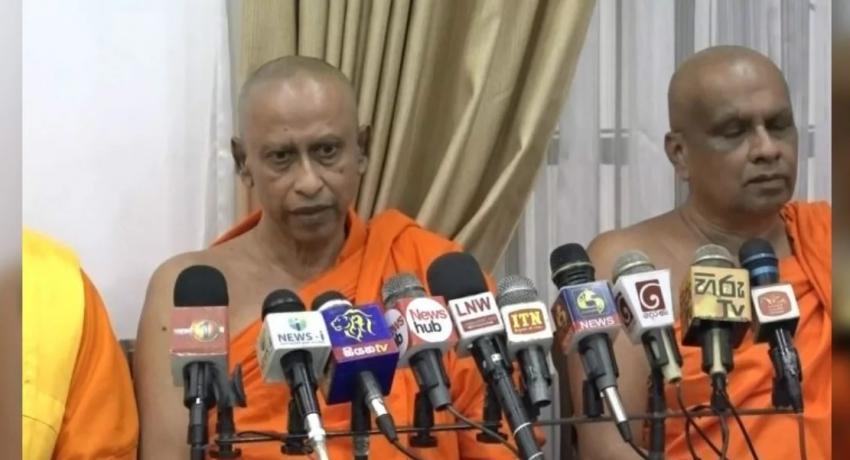 முஸ்லிம் அமைச்சர்கள் மீண்டும் பொறுப்பேற்க வேண்டும்: மகா சங்கத்தினர் கோரிக்கை