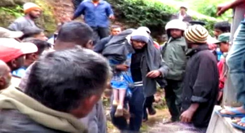 சீரற்ற வானிலையால் 8 பேர் பலி: 30 படகுகள் மாலைத்தீவில் கரையொதுங்கின
