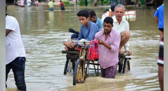 வௌ்ளம் மற்றும் மண்சரிவுகளில் சிக்கி நூற்றுக்கும் அதிகமானோர் உயிரிழப்பு