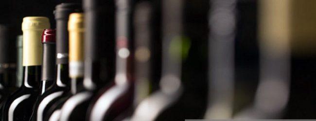 பாதுகாப்பு ஸ்டிக்கர்கள் ஒட்டாத வௌிநாட்டு மதுபானங்களை விற்பனை செய்ய தடை