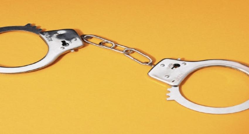 3 கோடி ரூபா பெறுமதியான தங்கத்தை சட்டவிரோதமாகக் கொண்டுவந்த 9 பேர் கைது