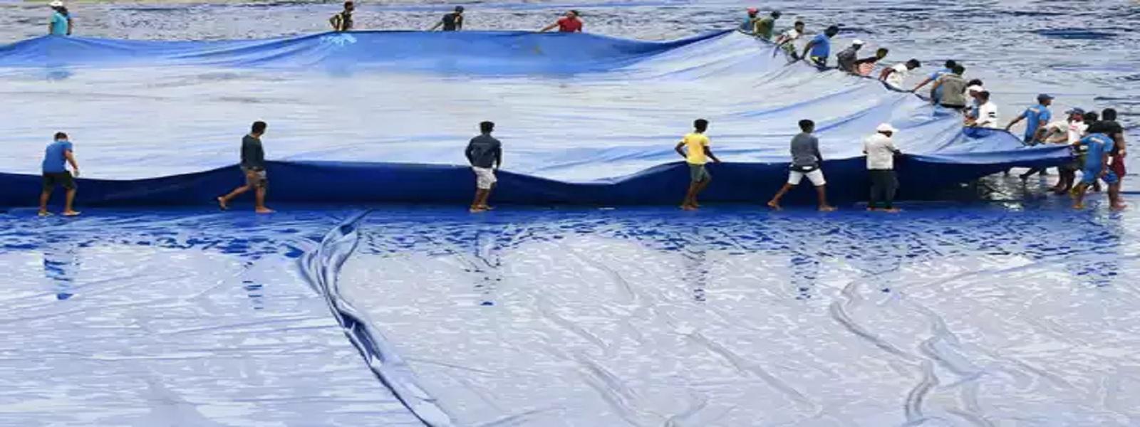 இரண்டாவது டெஸ்ட் கிரிக்கெட் போட்டியின் முதல் நாள் ஆட்டம் மழையால் தடைப்பட்டது