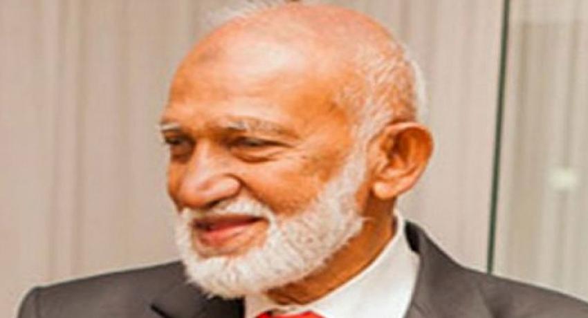 தேர்தல்கள் ஆணைக்குழுவில் A.H.M.பௌசி முறைப்பாடு