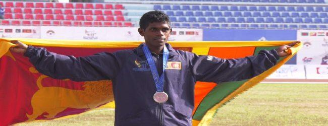 13 ஆவது தெற்காசிய விளையாட்டு விழா: வௌ்ளிப்பதக்கம் வென்றார் குமார் சண்முகேஷ்வரன்