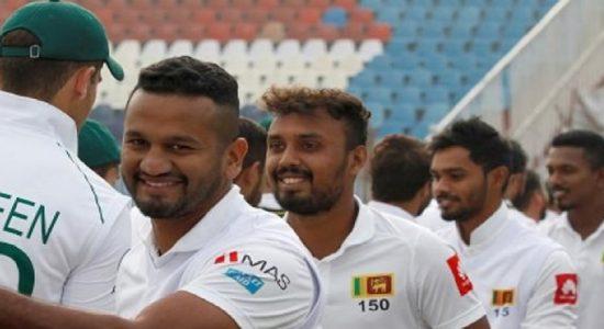 பாகிஸ்தானுக்கு எதிரான முதல் டெஸ்ட்: இலங்கை 5 விக்கெட் இழப்பிற்கு 202 ஓட்டங்கள்