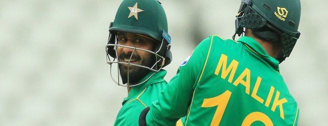 பங்களாதேஷூடனான T20: ஹபீஸ், மலிக்கை மீள அழைத்துள்ள பாகிஸ்தான்