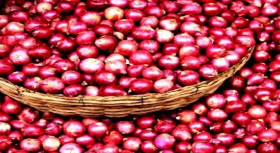 பெரிய வெங்காயத்திற்கான நிர்ணய விலையை 80 ரூபா வரை அதிகரிக்க அனுமதி