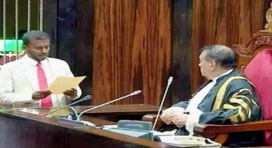 தேசிய பட்டியல் பாராளுமன்ற உறுப்பினராக சமன் ரத்னபிரிய பதவிப்பிரமாணம்