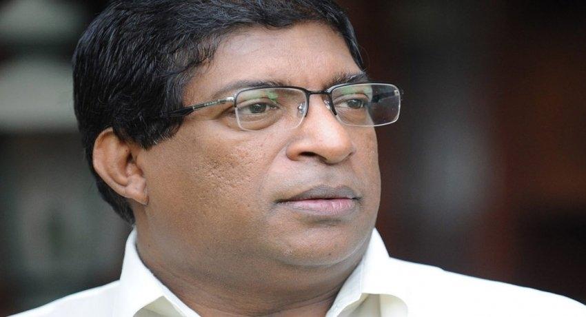 ரவி கருணாநாயக்க உள்ளிட்ட 10 பேருக்கு பிடியாணை