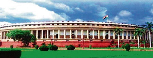 இந்திய பிரதமர், அமைச்சர்களின் சம்பளம் 30 வீதத்தால் குறைப்பு