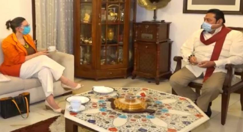 பிரதமர் மஹிந்த ராஜபக்ஸ – இலங்கைக்கான அமெரிக்க தூதுவர் இடையில் சந்திப்பு