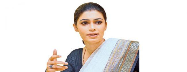 ஹிருணிக்கா பிரேமச்சந்திரவை நீதிமன்றில் ஆஜராகுமாறு உத்தரவு