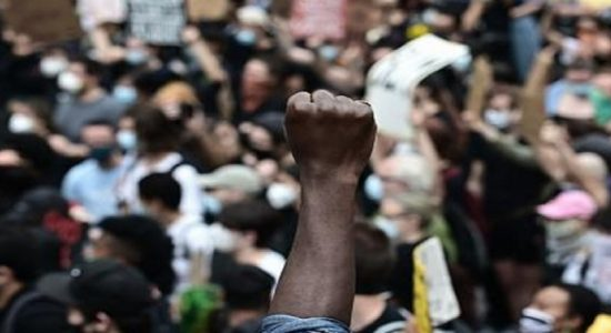 இனவாதத்திற்கு எதிரான அமெரிக்கர்களின் எதிர்ப்பு உலகம் முழுவதும் வியாபிக்கும் சாத்தியம்