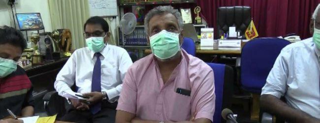 சுகாதார ஆலோசனைகளை பின்பற்றுமாறு தேர்தல்கள் ஆணைக்குழுவின் தலைவர் வேண்டுகோள்
