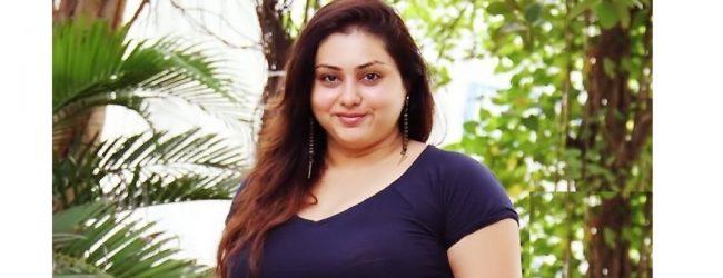 தமிழக பா.ஜ.க மாநில செயற்குழு உறுப்பினராக நமீதா நியமனம்